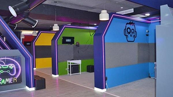 مرکز تفریحی سرگرمی Pyramid Game