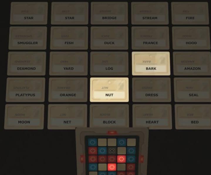 بازی رومیزی کدنیمز codenames