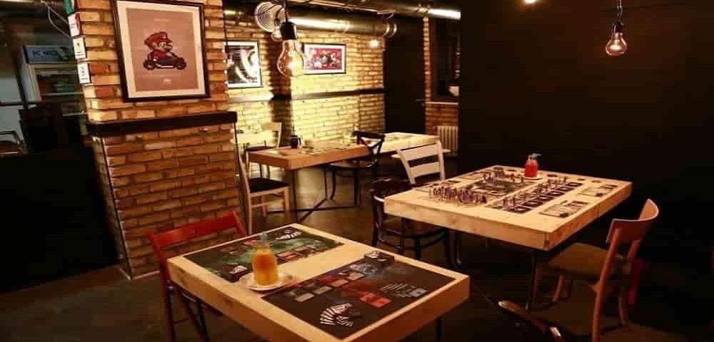 کافه برد مطهری تهران